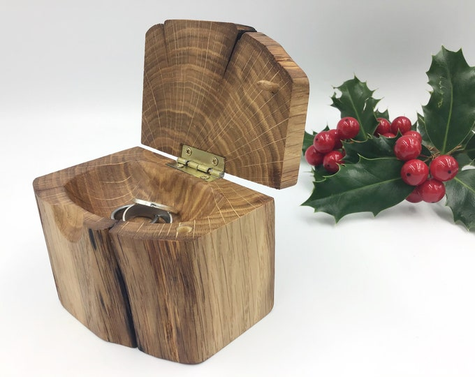 Ring box. Oak wood. Hand carved jewellery dish. Natural wooden Valentine gift for her, wife mum, sister, friend. Treasure chest Ring Box