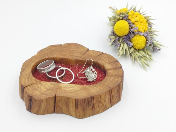 Bedside ring or trinket dish. Jewellery bowl / dish / tray. Natural oak wood. Mothering Sunday gift? Wooden display dish. Red suede inlay