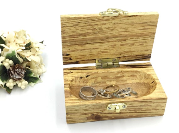 Ring box. Jewellery box. Trinket Box. Handmade. Wooden jewelery box. Treasure chest. Luxury wooden ring box. Gift box for her or him.