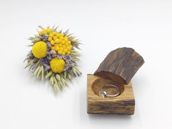 Ring Box - Engagement Ring Holder – Stylish timeless Oak wood Ring Box - Wooden Ring Box - Ancient Oak – Hand carved - Proposal Presentation