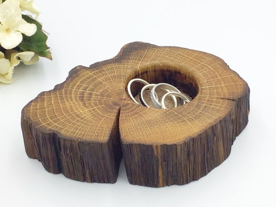Bedside ring or trinket dish. Jewellery bowl / dish / tray. Natural oak. Earring Holder. Wooden display dish. Beige suede protective inlay