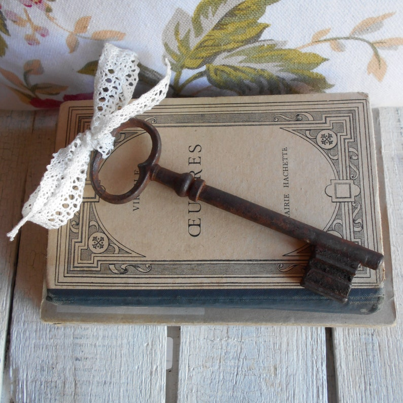 ChateauVictorianEdwardian French Key from the 1800/'s Jailers Key Hand Forged Iron Key Huge 14cms 5.5 inch Antique Iron Skeleton Key