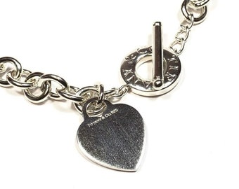 8750843a9 Beautiful Ladies TIFFANY & CO. Sterling Silver Chainlink Heart Toggle  Necklace