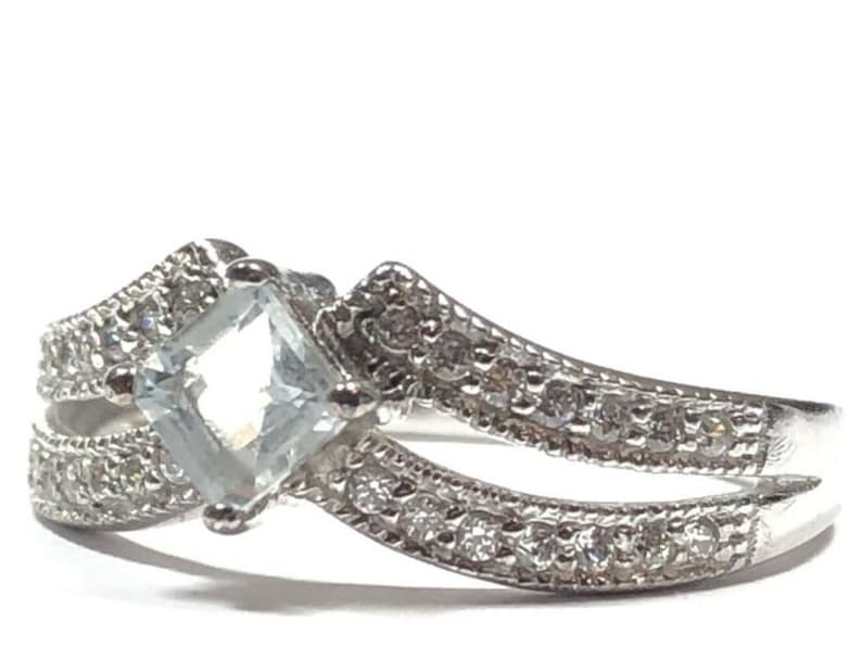 Signed A Size 7.5 Beautiful Ladies Sterling Silver Aquamarine /& CZ Ring