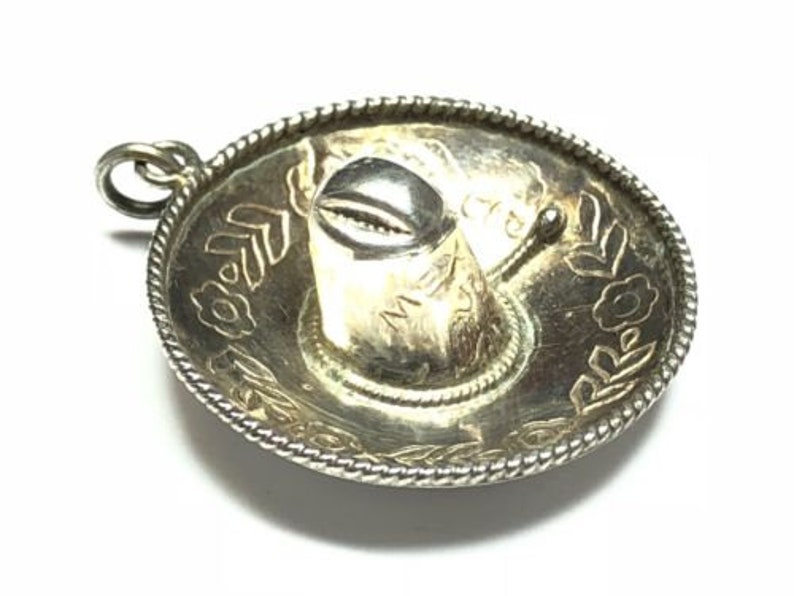 MEXICO Vintage Ladies Sterling Silver Mexico Sombraro Pendant Signed EVS