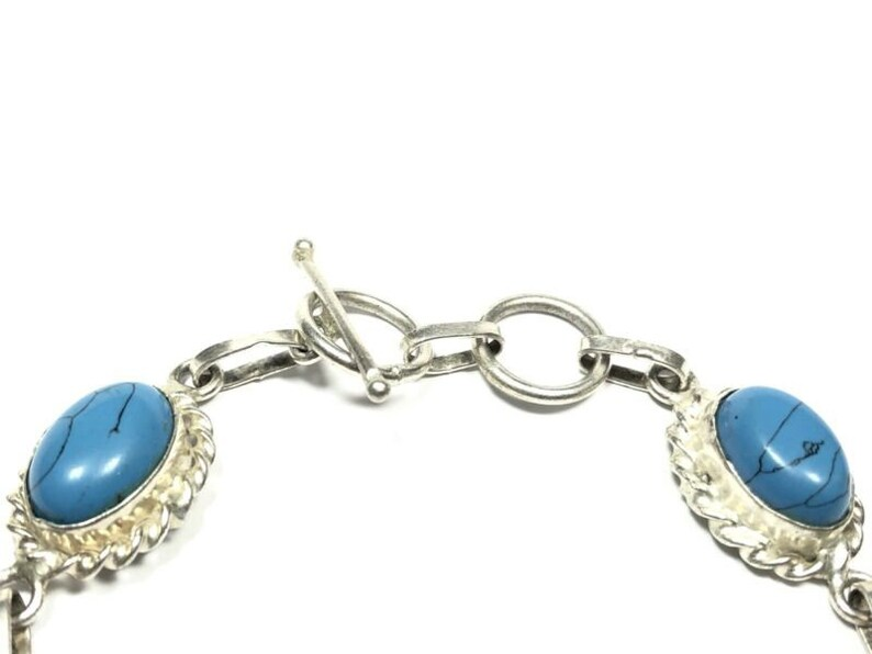 Beautiful Ladies Sterilng Silver Synthetic Turquoise Chain Bracelet