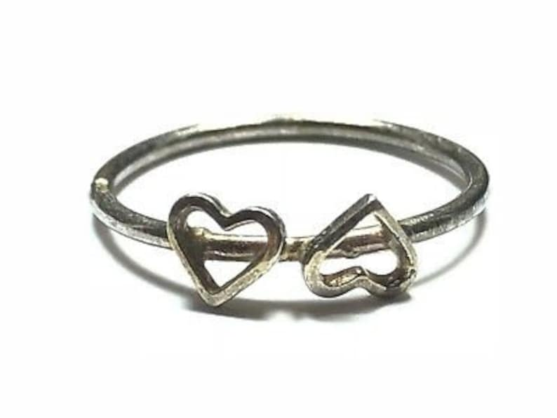 Size 6 Mint! Unique Heart Design Lovely Ladies Sterling Silver Ring