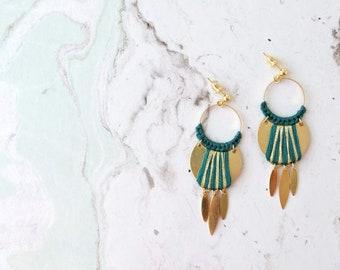 Boucles d'oreilles tissées NOMADE, vert canard et doré, disponible en 8 coloris différents, clous d'oreille flash or , boucles ethniques