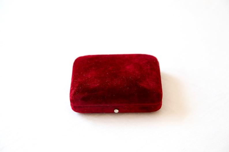 Vintage Jewelry Display Red Velvet Pendant Box Antique Velvet Brooch Box FREE SHIP WORLDWIDE