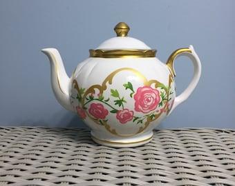 Alice Through The Looking Glass Davids Teapot Motif Cookie Jar