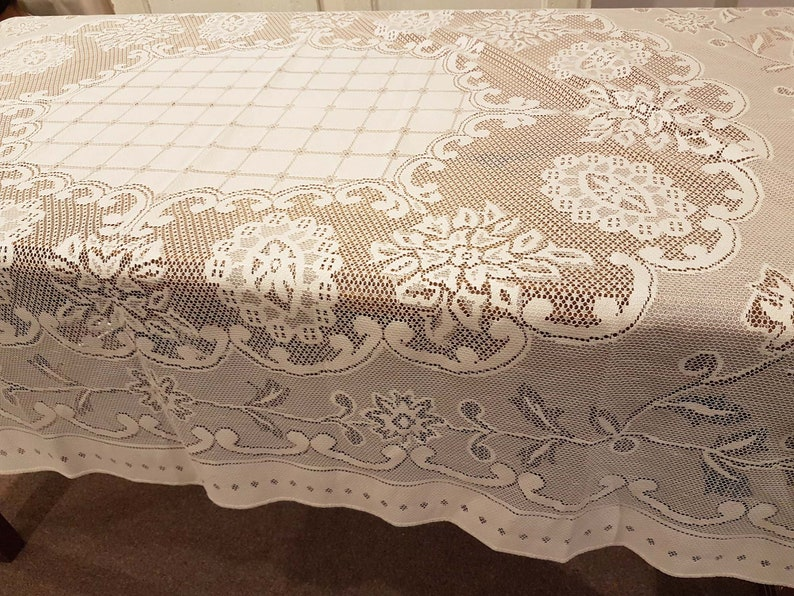 Brilliant White Lace Tablecloth Old Fashioned Rectangular Excellent Condition Lovely Detailing Pretty Large Cloth Squares Flowers Floral Leaf Download Free Architecture Designs Terchretrmadebymaigaardcom