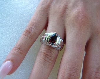 R737 Australian Made 0.90 carats Pear 8x5mm Natural Garnet Gemstone Full Bezel Teardrop Solitaire Ring Genuine 925 Sterling Silver