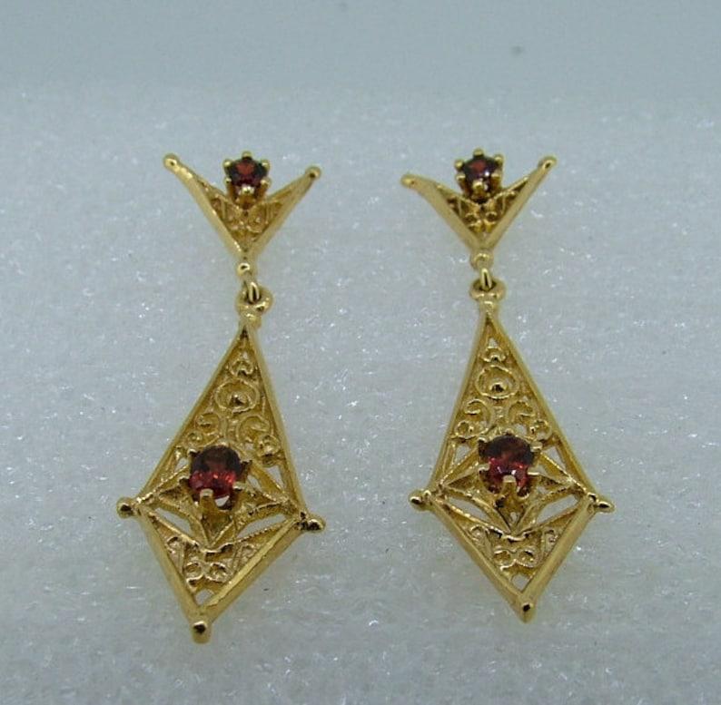 Yellow gold and garnet drop earrings-drop garnet earrings-gold drop earrings-long garnet earrings-long gold earrings