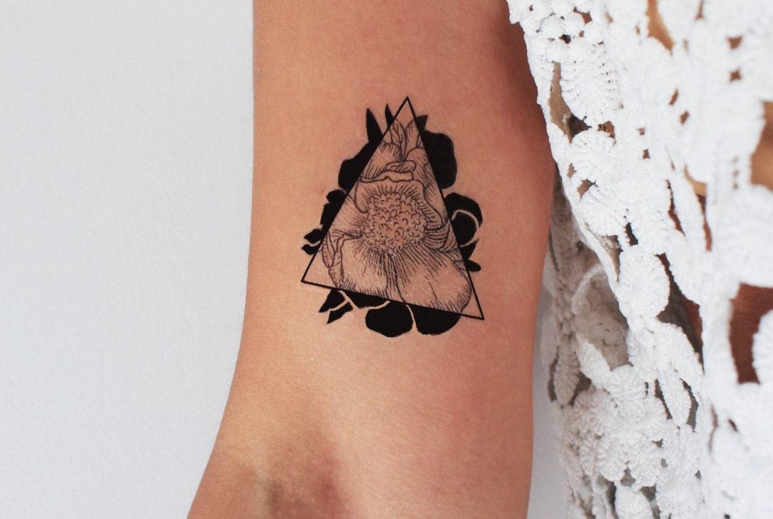 2 Tatouages Temporaires De Fleur Et Triangle Tatouage Etsy