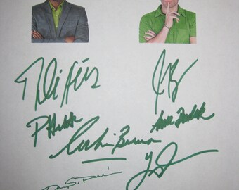 Psych Signed TV Script Screenplay X8 Autographs James Roday Corbin Bernsen Dule Hill Pascale Hutton Timothy Omundson Anne Dudek Nelson