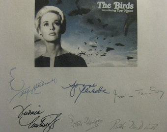 The Birds Signed Film Movie Script Screenplay X11 Autographs Tippi Hedren Alfred Hitchcock Ron Taylor Suzanne Pleshette Jessica Tandy horror