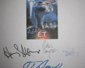 E.T. The Extra Terrestrial Signed Film Movie Screenplay Script X8 Autograph Drew Barrymore Steven Spielberg Henry Thomas Peter Coyote
