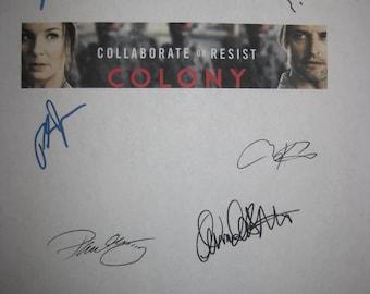 Colony Signed TV Screenplay Script Autographs Josh Holloway Sarah Wayne Callies Peter Jacobson Amanda Righetti Tory Kittles Kim Rhodes