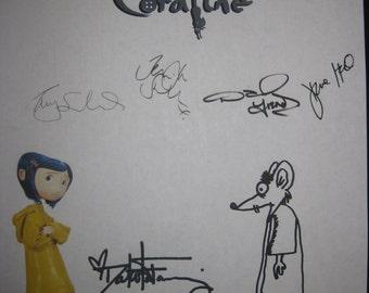 Coraline Signed Film Movie Screenplay Script X8 Dakota Fanning Teri Hatcher Keith David Jennifer Saunders Dawn French Selick Autographs