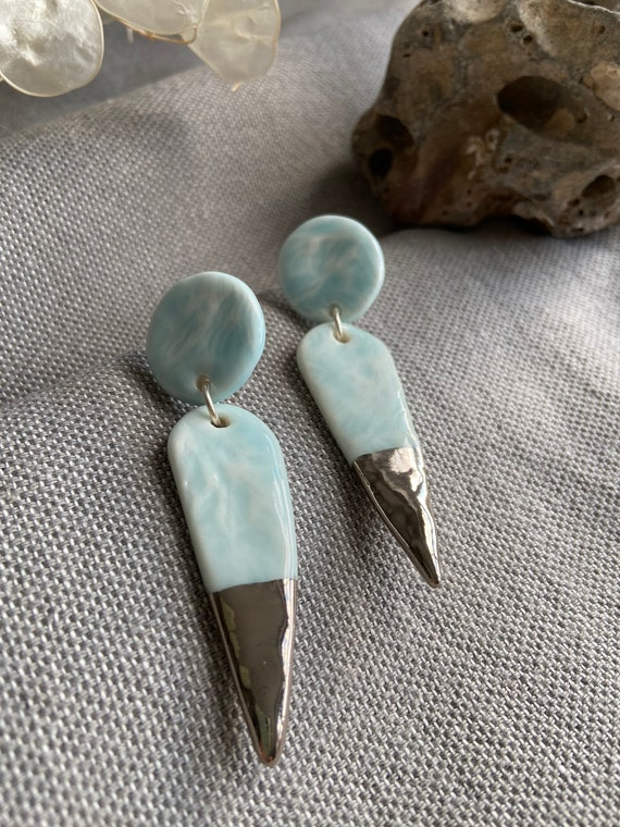 Pointed Organic Celadon Dangle Earrings with Platinum Tips / Boho Jewellery / Textured Dangle Earrings / Turquoise Earrings