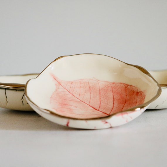 Pink Leaf Porcelain Ring Dish with Platinum Rim