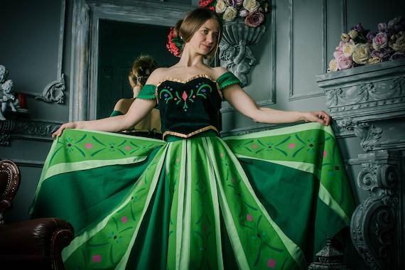Mente pagare fare riferimento  Anna Frozen coronation dress and cape Anna Frozen cosplay   Etsy