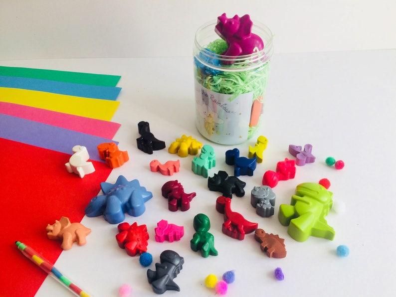 c0b8dd401e3de 24 Dinosaur shaped crayons Tub, kids dinosaur gifts, boys girls gifts,  party bag fillers and favours, dinosaur party, stocking fillers