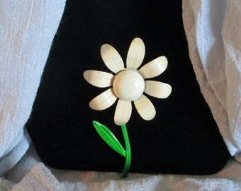 "Vintage Estate Sale  ""Daisy"" Lapel Pin Mod/Boho Jewelry Gift Coat/Jacket/ Dress"