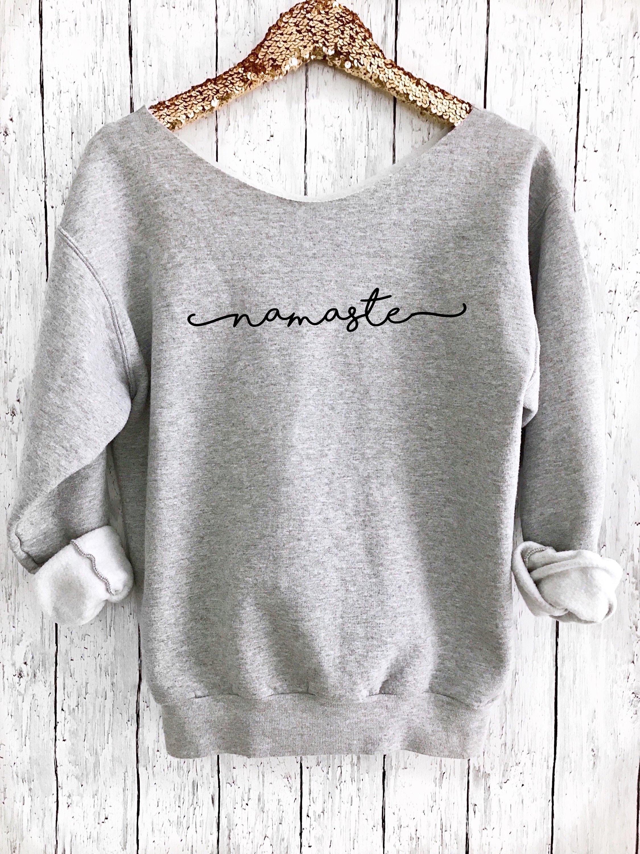 Namaste Off Shoulder Pullover, Lustiger Pullover, Yoga Top, Yoga Pullover,  Yoga Shirt, Workout Shirt, Savasana, Namaste Sweatshirt