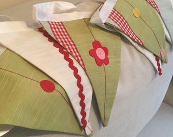 Summertime Green & Red Bunting