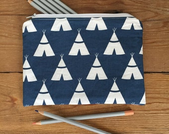Blue witb White Teepee Print Zipper Pouch