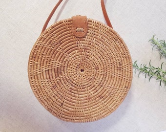 Brown Round woven bag ata grass shoulder bag. across the body hand bag Bali  arts Handwoven natural rattan purse Womens Summer bag style 2019 1bc255219c738