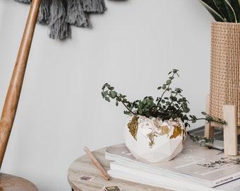 rose quartz and gold geometric resin pot
