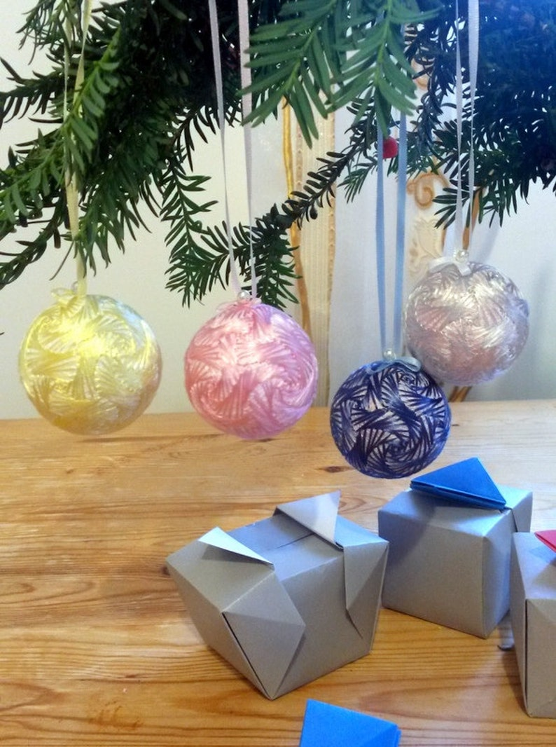 Pastel Colors Christmas Ornaments Japanese Temari Balls Embroidered Swirls 4 Piece Set Oriental Home Decor Origami Box Gift Wrapped Uk