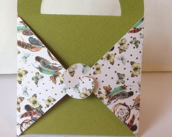 Gift box, green with butterflies