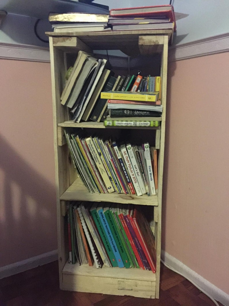 Custom Pallet Bookshelf image 0