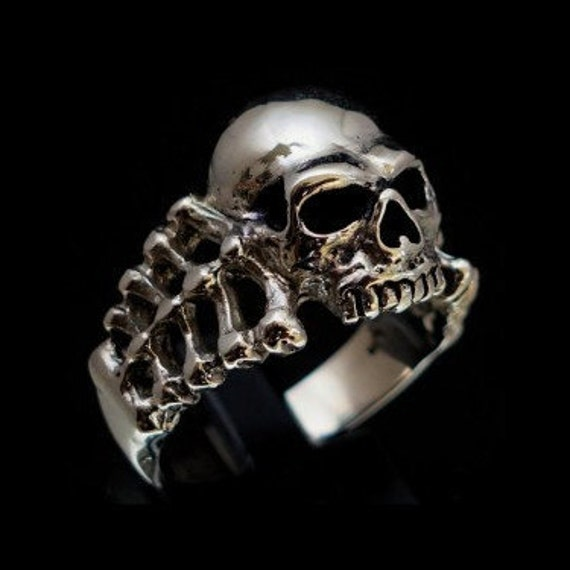 Silver skull ring bikies solid heavy stainless steel band