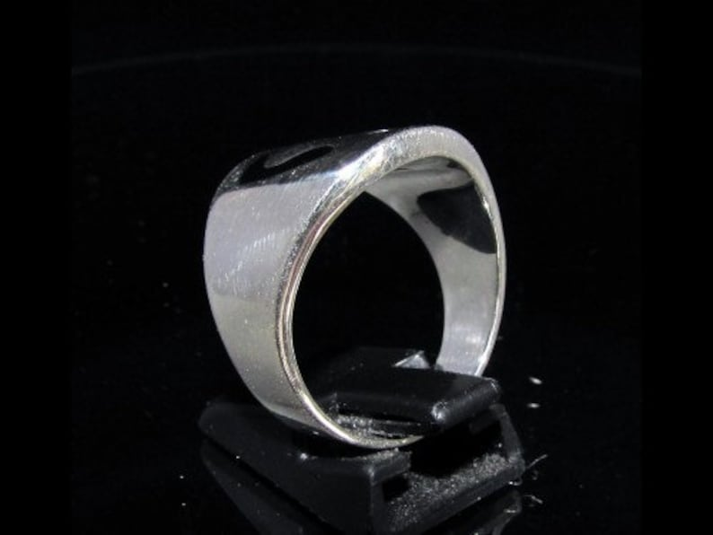 Sterling silver initial ring Arabic letter Nun Nuun initial Noon with black enamel high polished Sterling silver 925