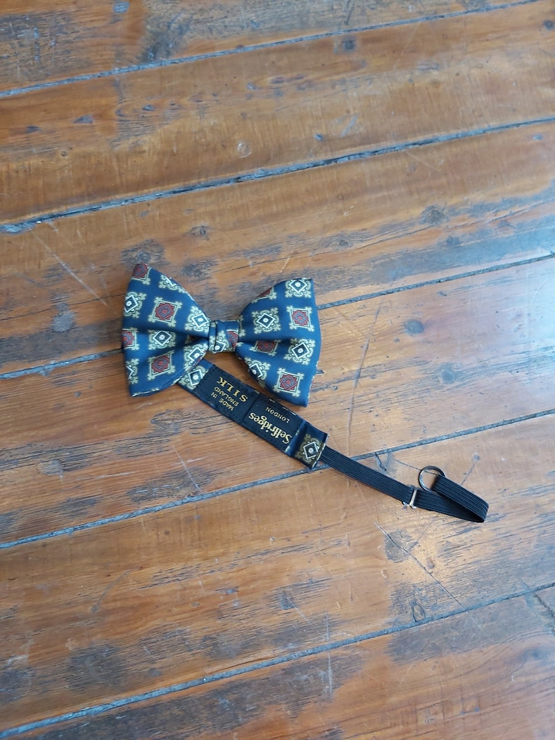Vintage Selfridges Bow Tie w Original Box