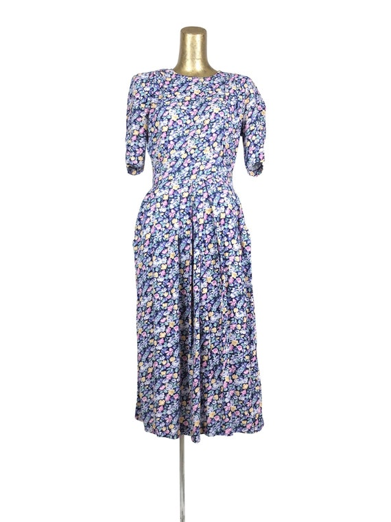 Vintage 80s Romantic Floral Fit and Flare Half Sle