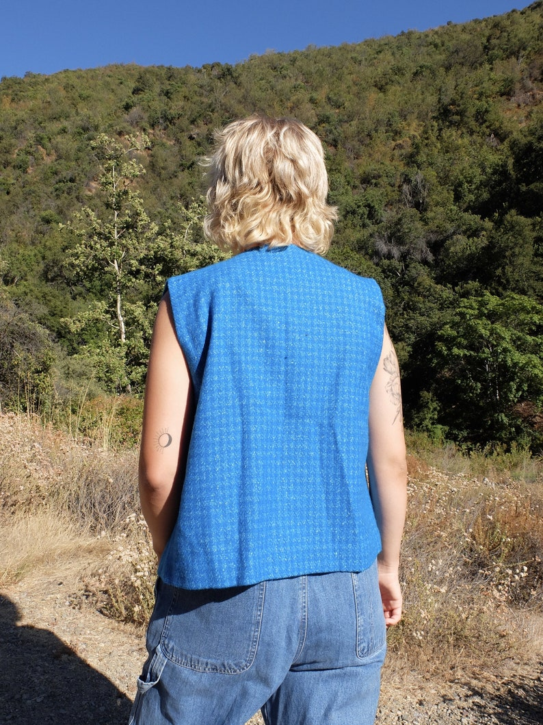 Vintage 60s Mod Bright Blue Houndstooth Sleeveless Button Up Vest