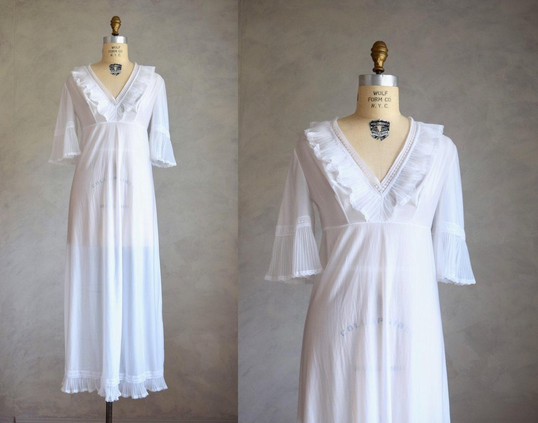 Vintage long white nightgown 1960s 70s nylon sleepwear  af35e356d2a