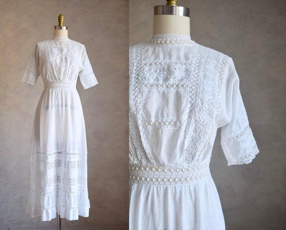 vintage Edwardian cotton lawn dress   antique whit
