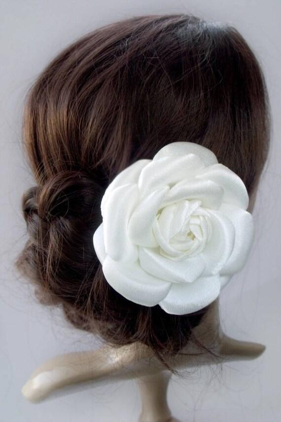 fleur pour cheveux mariage robe broche demoiselle dhonneur. Black Bedroom Furniture Sets. Home Design Ideas