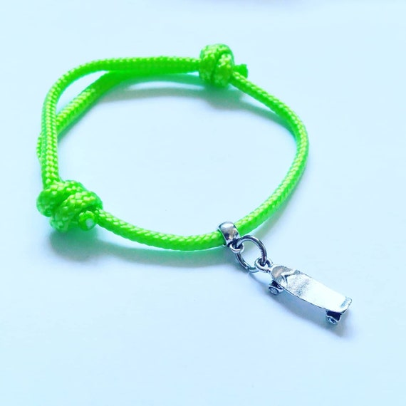 Skateboard Cord Bracelet for Skater Great Gift, small Design Charm on Paracord, simple hardwaring Skate Accessory