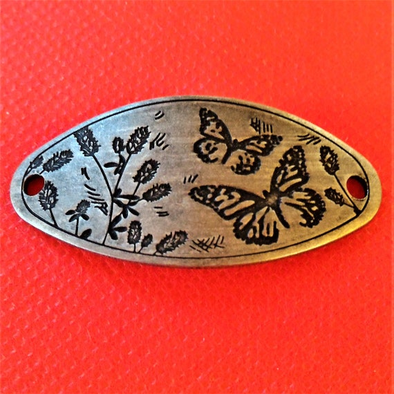 CLEARANCE 1 pcs Antique Silver Butterfly Charm for Wrist Cuff Belt Bracelet Purse Hat Plaque, Silver Butterfly Jewelry