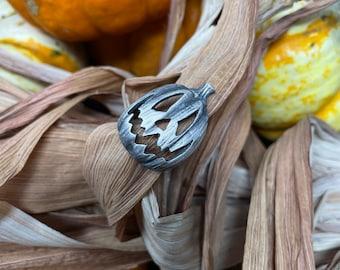 Halloween Pumpkin Ring - Jack-O-Lantern Ring - Horror Fan Gift - Trick or Treat - Pumpkin Jewelry - Goth Jewelry - Halloween