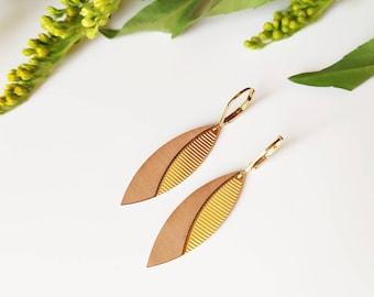 Hanging wooden earrings for women ~ Yumi ~