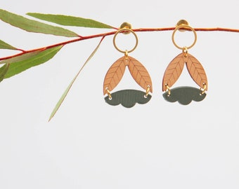 Women's earrings made of wood and plexiglass green of gray ~ Sarü ~