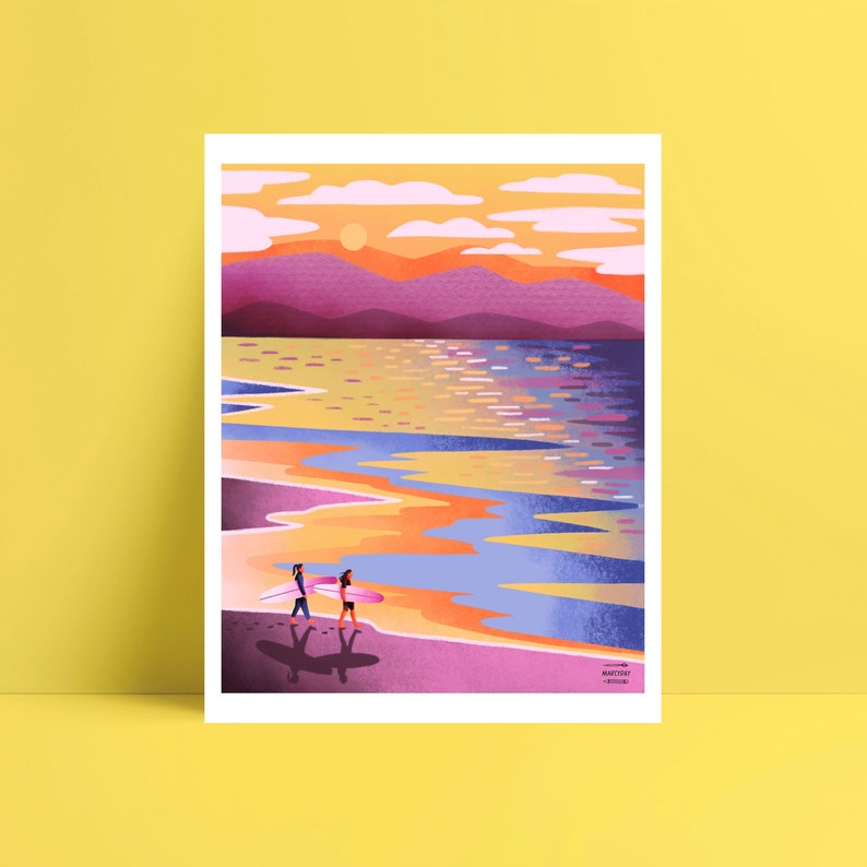 surfeuses au coucher du soleil